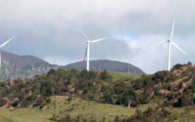 Alcalde de Victoria pide activar proyectos de energía eólica en la comuna